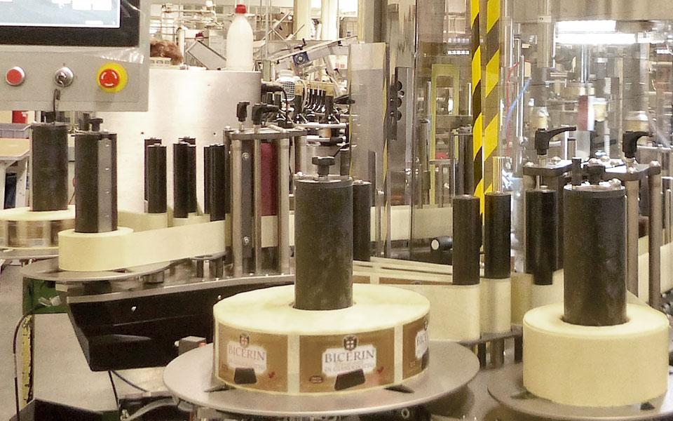 etichettatrice-torino-distillati2