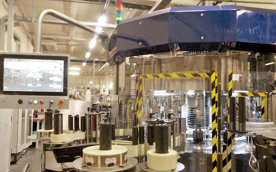 etichettatrice-torino-distillati4
